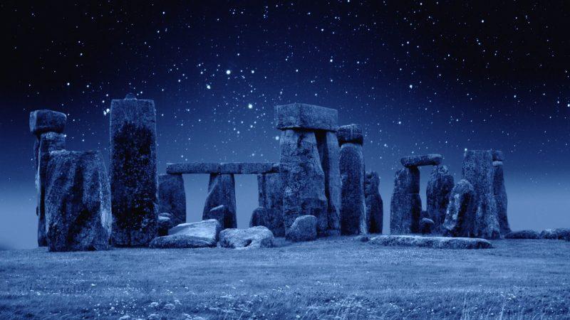 surprisinglives.net/stonehenge/