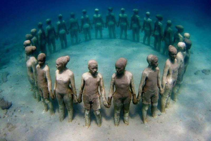 surprisinglives.net/sculpture-memorial-tragedy/