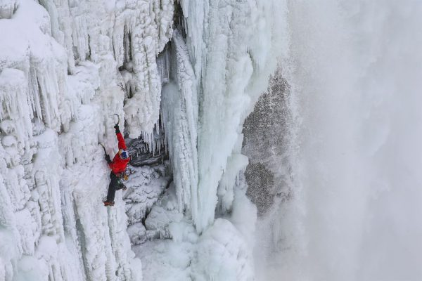 surprisinglives.net/ice-climbing-niagara-falls/